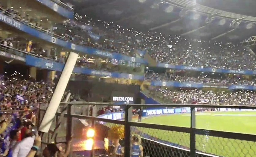 Floodlight failure triggers a sea of mobile flashlights at Wankhede, May 16